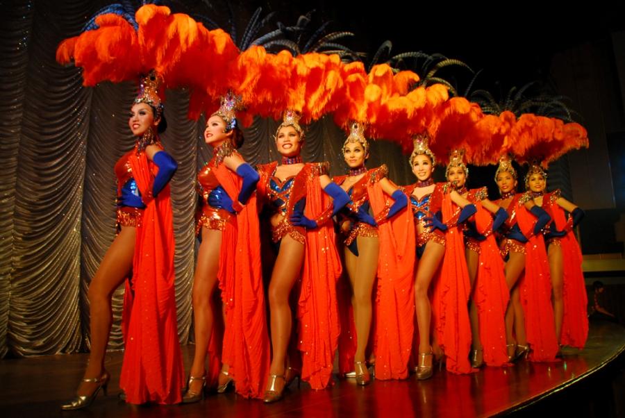 Các vũ công chuyển giới tại Alcazar Show